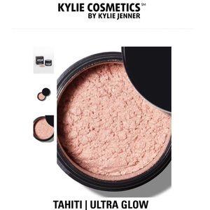 BNIB Kylie Tahiti Ultra Glow Highlight